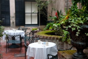 courtyard-table-1338645-m